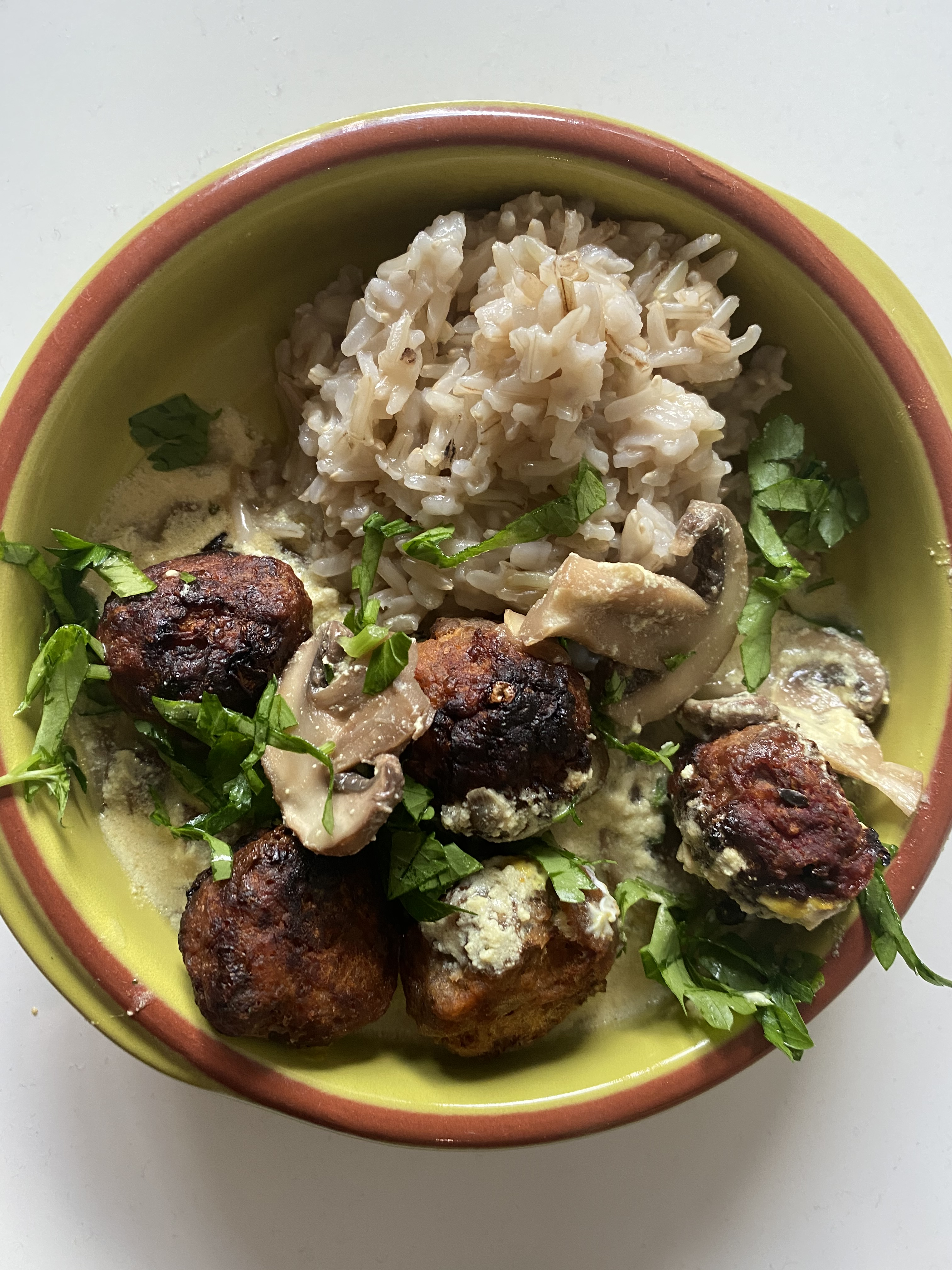 turkey-meatballs-in-yogurt-sauce